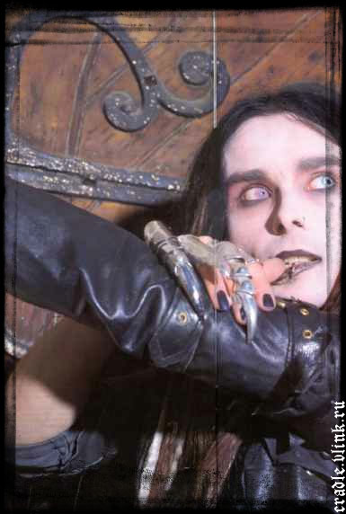 http://www.cradleoffilth.ru/wgallery/cradle_large/cradleoffilth_087.jpg